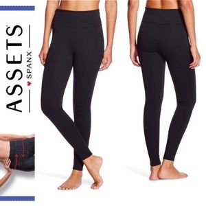 Assets by Spanx NWOT leggings in black size M